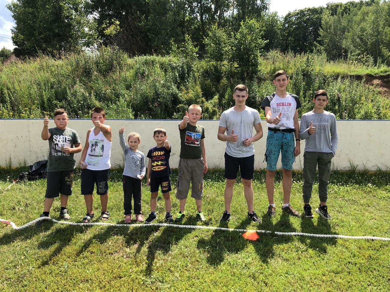 22 июля на хоккейной коробке д. Емельяновка прошли «Весёлые старты для детей».