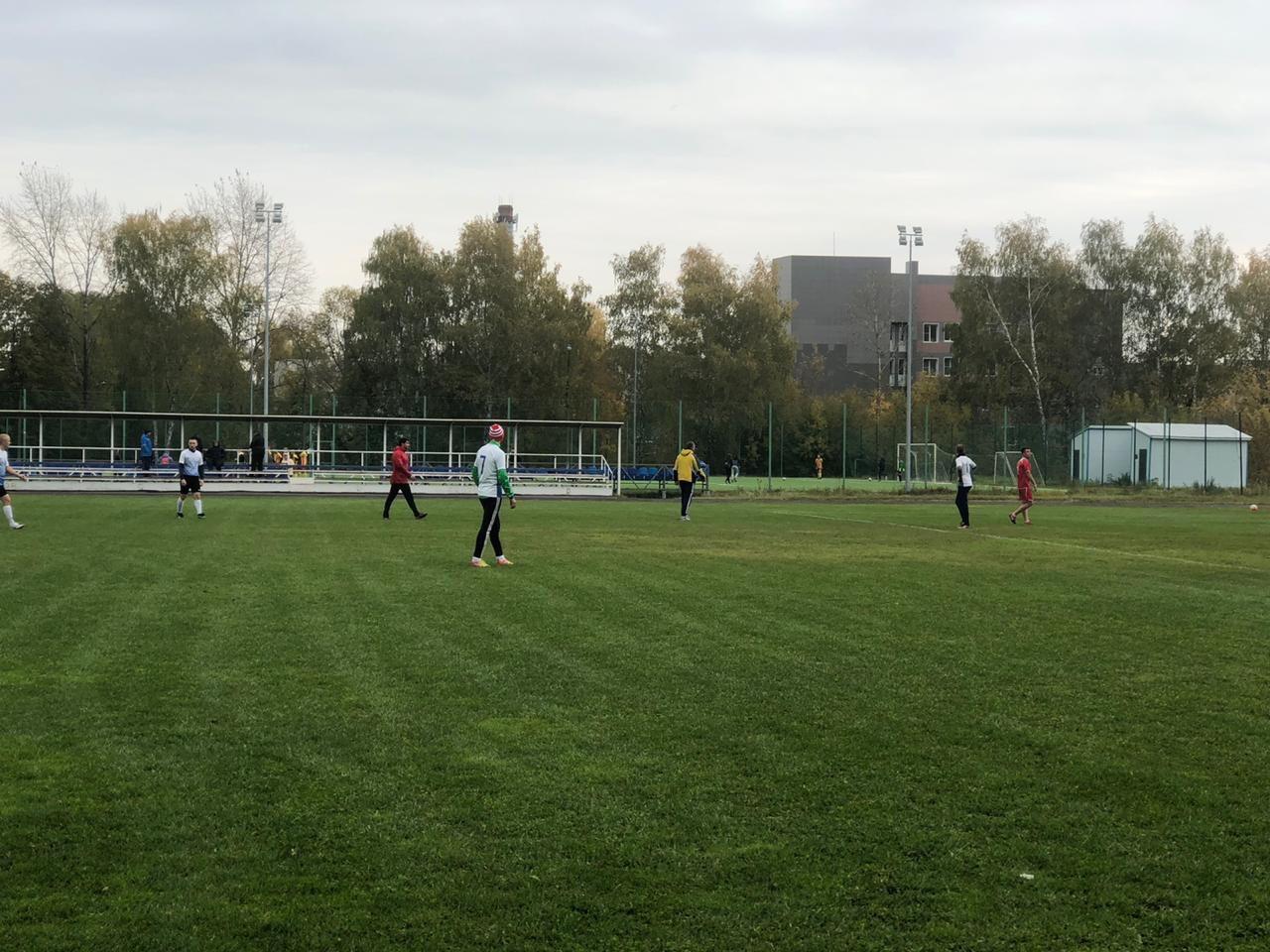 28 и 29 сентября прошли игры 10 тура 2 круга Первенства городского округа Озеры по футболу среди мужских команд.