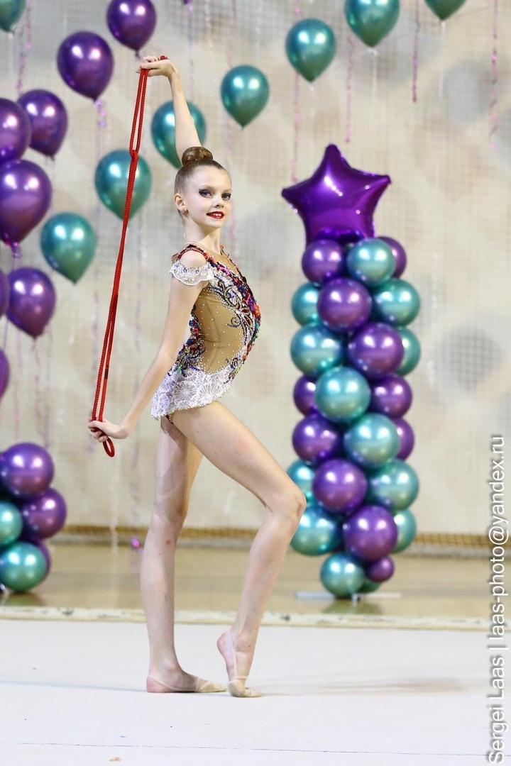 Поздравляем Марию Меркушину с присвоением разряда «Кандидат в мастера спорта России» по художественной гимнастике ( Пр. 6Р от 27.07.2020г)