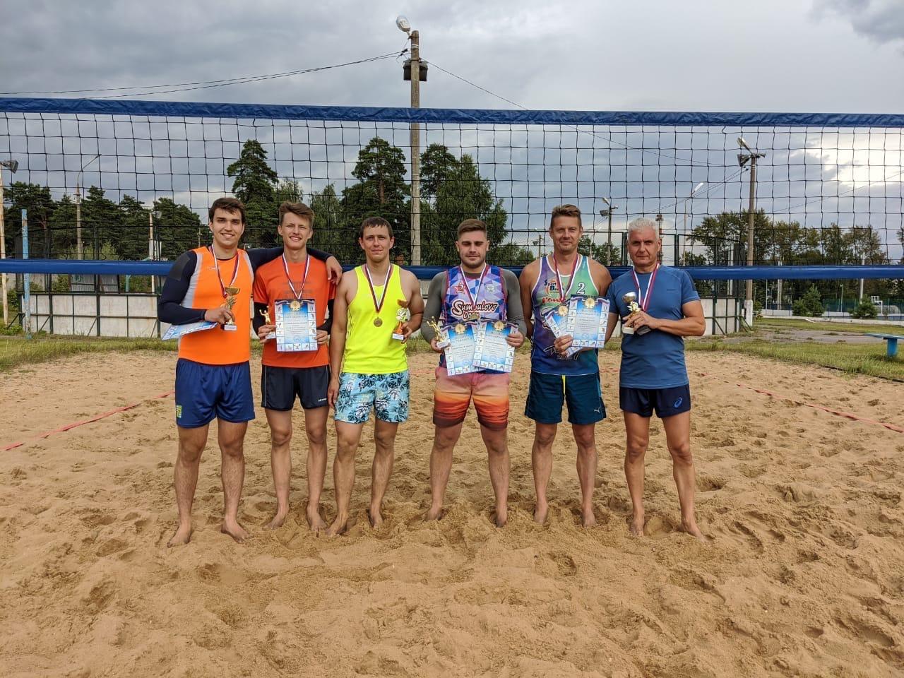 15 августа на Стадионе им. А. Гринина состоялся Турнир по пляжному волейболу среди мужских команд, посвящённый Дню города #Озеры95.