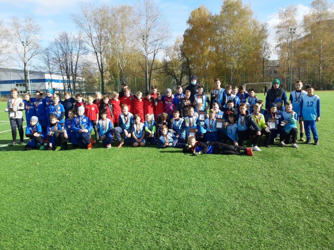 17 октября на базе МУ «СЦ им. А.Гринина» состоялся Турнир по футболу среди детских команд, посвященный 75-летию победы в Великой Отечественной войне.