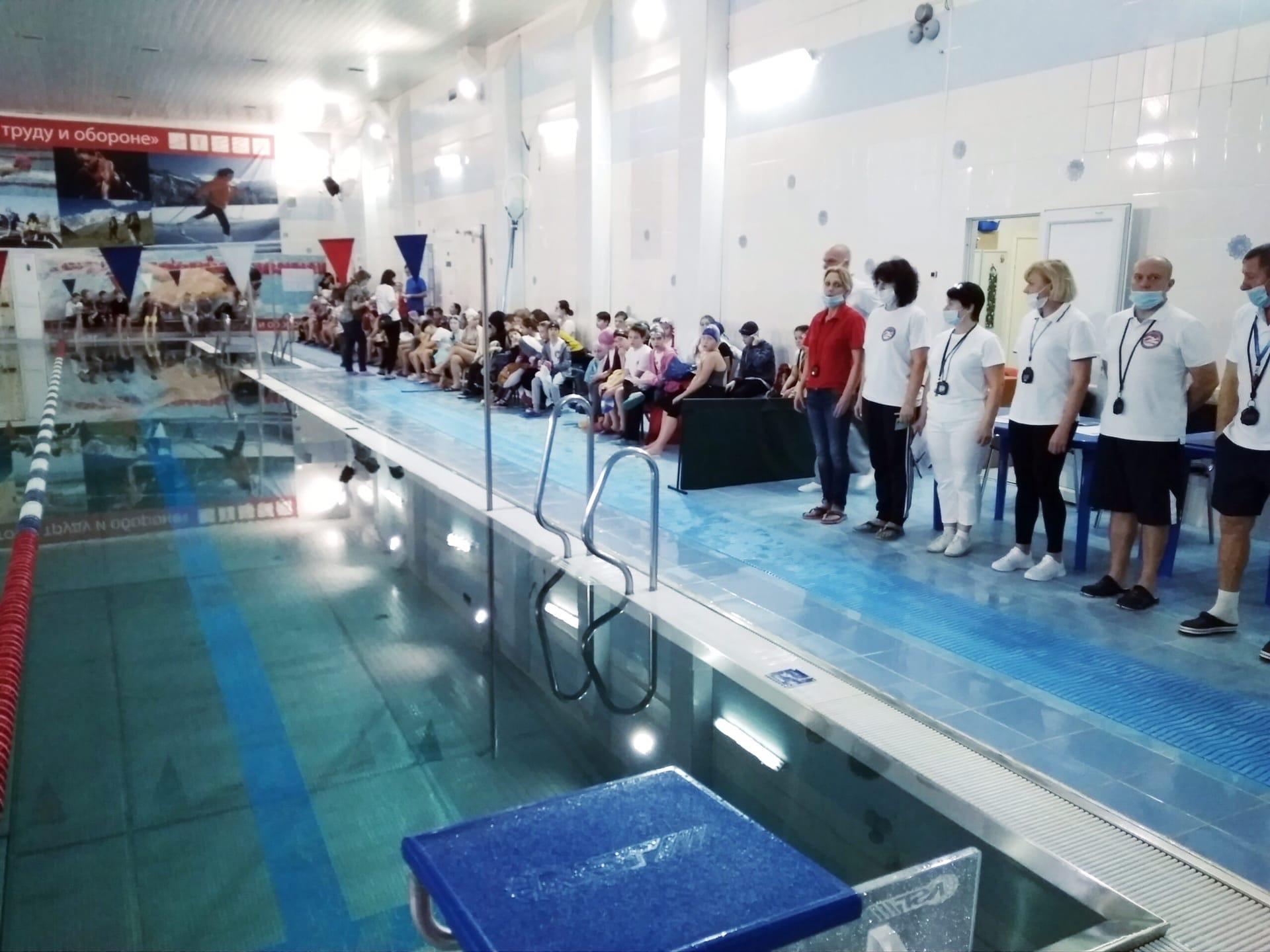 05 января в бассейне МУ «СЦ им. А. Гринина» прошло традиционное Открытое первенство по плаванию «Под Сиянием Рождественской Звезды».