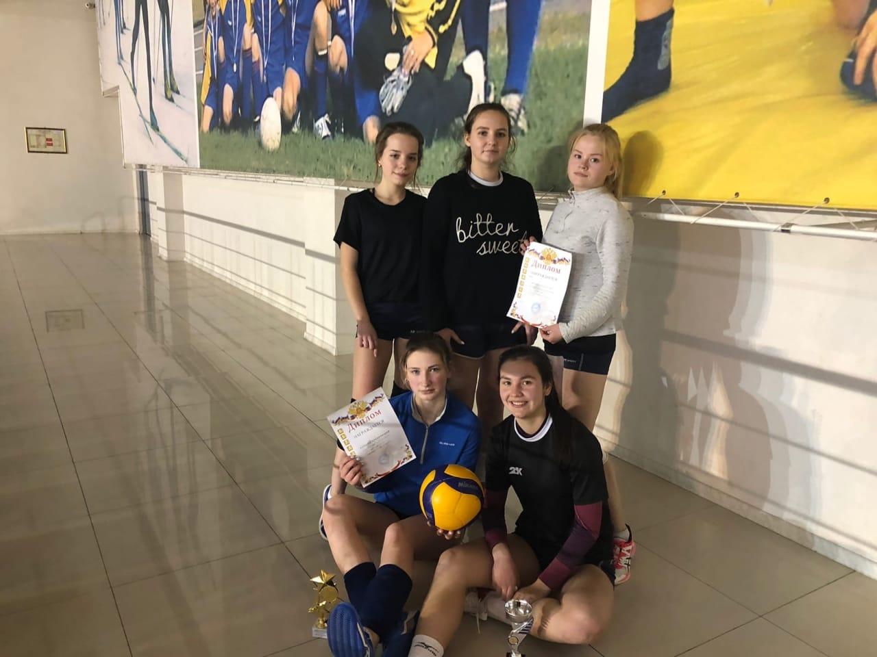 10 января на базе МУ «СЦ им. А. Гринина» состоялся «Рождественский турнир по волейболу среди смешанных команд».