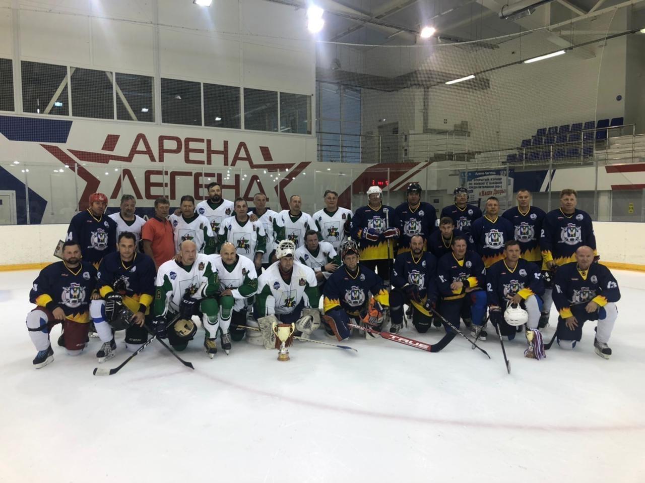 С 9 по 11 июля в ЛДС «Арена Легенд» г. Озёры проходил IV Открытый турнир по хоккею среди ветеранов 50+ «Наши дворы», посвященный памяти Д.Ю. Лебедева.